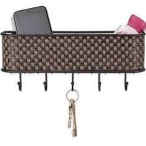 Home Basics Weave Letter Rack with Key H
